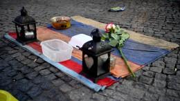 Angezündete Obdachlose in Lebensgefahr