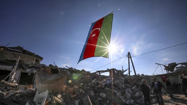 Armenien und Aserbaidschan vereinbaren Waffenruhe