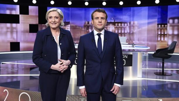 Macron bestätigt Favoritenrolle gegen Le Pen