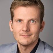 """Marc Heinrich  - Portraitaufnahme für das Blaue Buch """"Die Redaktion stellt sich vor"""" der Frankfurter Allgemeinen Zeitung"""