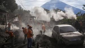99 Tote nach Vulkanausbruch geborgen