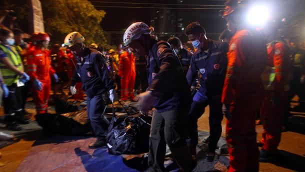 Zehn Tote bei Anschlag in Dutertes Heimatstadt