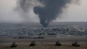 IS-Kämpfer nehmen Kobane in die Zange