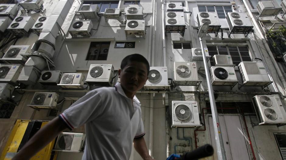 Klimaprobleme: Vor allem in Südostasien, wie hier in Singapur, ist die Nachfrage nach Klimageräten groß.