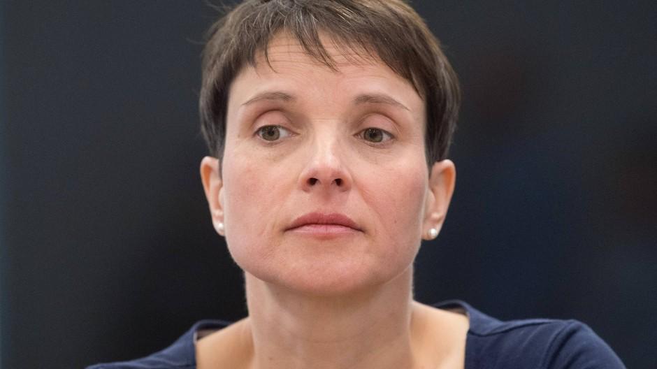 Frauke Petry bei einer Gerichtsverhandlung im Jahr 2019