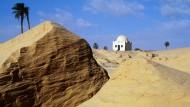 Einsam in den Weiten der tunesischen Wüste
