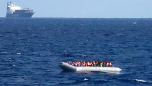Christliche Flüchtlinge über Bord geworfen?
