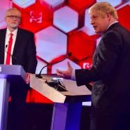 Umfragen zufolge ging Boris Johnson (r.) bei dem TV-Duell gegen Jeremy Corbyn als Sieger hervor