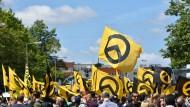Unter Beobachtung: Demonstration der Identitären Bewegung in Berlin 2017