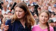 Das Gesicht der deutschen Bewegung und das des weltweiten Klimastreiks: Luisa Neubauer und Greta Thunberg in Berlin.