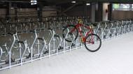 Platz für 420 Räder: Zu dem neuen Parkhaus südlich des Hauptbahnhofs gehört auch eine Fahrradgarage.