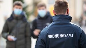 RKI meldet 11.369 Neuinfektionen und 989 neue Todesfälle