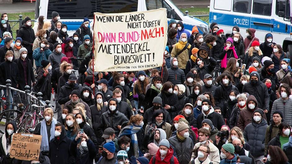 Berliner demonstrierten nach dem Urteil in Karlsruhe in dieser Woche.