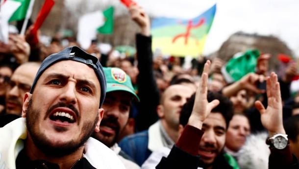 Bouteflika reicht Kandidatur für Präsidentenwahl ein