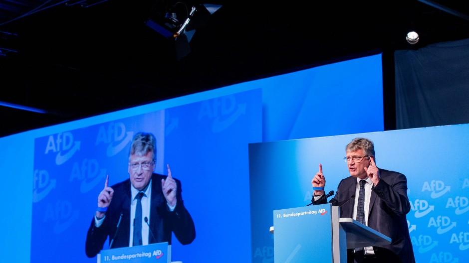 Will die AfD vor der Beobachtung durch den Verfassungsschutz schützen: Jörg Meuthen auf dem Parteitag in Kalkar