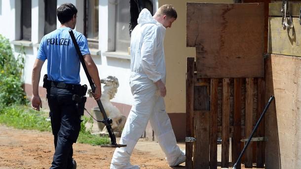 Vater und Sohn nach Tötung von Vermieter-Paar abermals freigesprochen