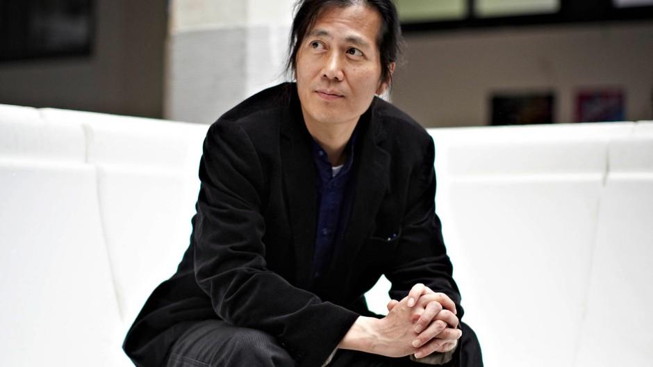 """""""Vertrauen heißt, trotz Nichtwissen gegenüber dem anderen eine positive Beziehung zu ihm aufzubauen"""": Byung-Chol Han"""
