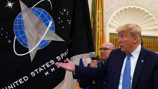 """Trump kündigt """"Super-Duper-Rakete"""" an"""