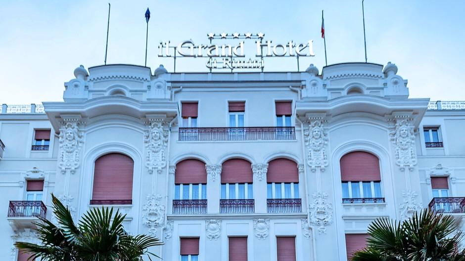 Wo Fellini abstieg – das Grand Hotel in  Rimini.