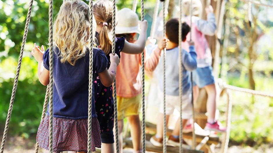 Im Rhein-Main-Gebiet ging 2019 fast ein Drittel der Kinder unter drei Jahren in eine Kita. (Symbolbild)