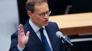 Müller als Regierender Bürgermeister vereidigt