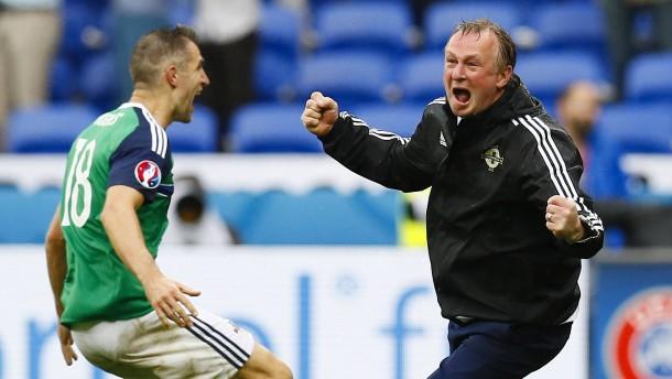 Michael O'Neill und die Botschaft von Leicester
