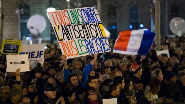 Tausende Franzosen protestieren gegen Antisemitismus