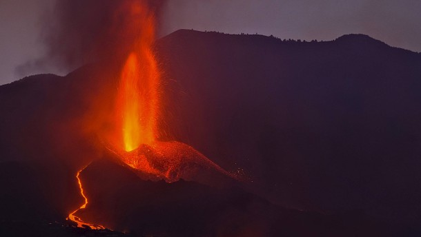 Cumbre Vieja in neuer explosiver Phase