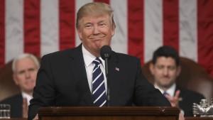 Trumps vom Ausland gebeuteltes Amerika