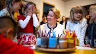 Noch sitzt Franziska Giffey als Familienministerin mitten im Geschehen. Hier beim Besuch einer Kita in Berlin-Friedrichshain