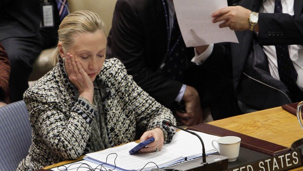 Clintons sorgloser Umgang mit Drohnenangriffs-Infos