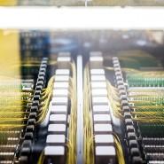Durchlauferhitzer: Glasfaserkabel in einem von De-Cix genutzten Rechenzentrum.