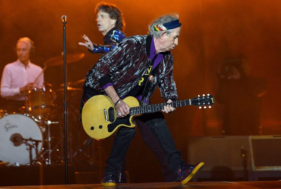 In besten Händen: Weltberühmte Gitarristen wie Keith Richards wählten Instrumente von Gibson.