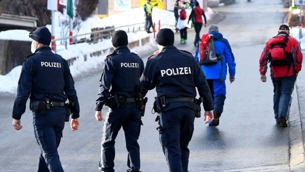 Österreich erwägt Abriegelung Tirols