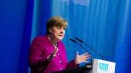 Angesichts der Krisen nicht abstumpfen: Angela Merkel in Münster