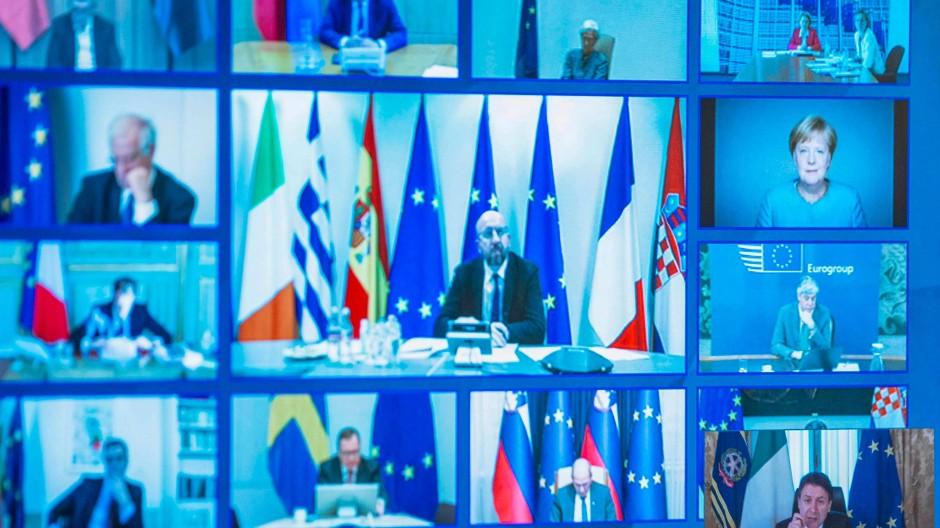 Die Chefs der EU-Länder im Videochat: Rechts unten Italiens Ministerpräsident Guiseppe Conte, darüber Angela Merkel
