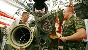 Regierung berät über deutsche Waffenlieferungen