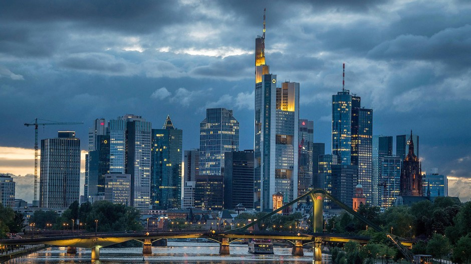 Unbewohnt: die Frankfurter Bankenskyline