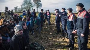 """""""Illegale Grenzübertritte werden nicht toleriert"""""""