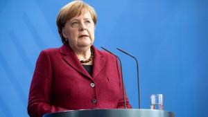 Merkel bietet Hilfe an