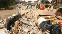 Munition und Waffen bei Aufräumarbeiten nach Hochwasser gefunden