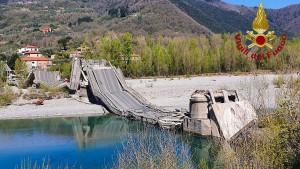 Brücke einer Staatsstraße in Italien eingestürzt