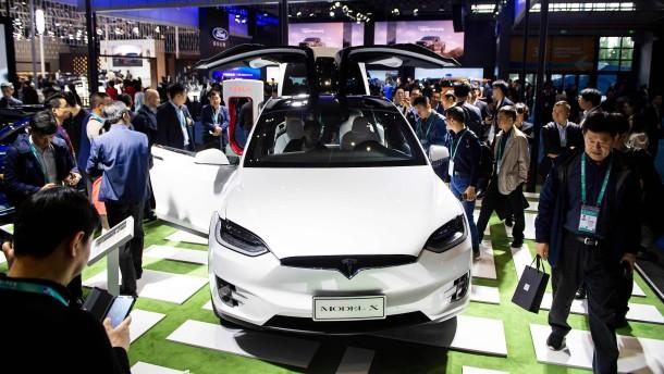 Tesla muss wegen Zollstreit Preise in China senken
