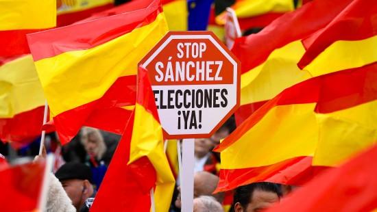 Großdemo gegen Unabhängigkeit Kataloniens