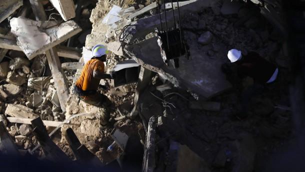 Mögliches Lebenszeichen unter Trümmern in Beirut