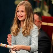 Die spanische Kronprinzessin übergibt die Prinzessin-von-Asturien-Preise im Campoamor-Theater in Oviedo.