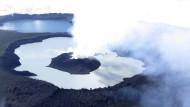 Vulkanausbruch vertreibt Inselbewohner