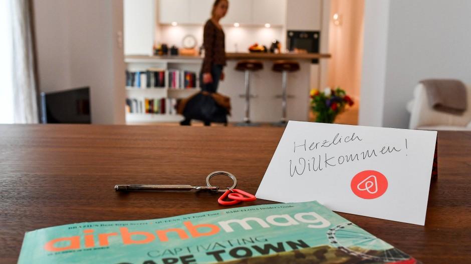 Willkommensgruß: Wohnraum-Zweckentfremdung hat viele Gesichter – so manches gehört Eigentümern, die über Airbnbn vermieten