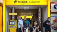 Eine Filiale der Postbank