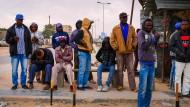 Der Staat zerfällt, die Grenzen im Süden sind offen: Afrikanische Migranten in der libyschen Stadt Misrata